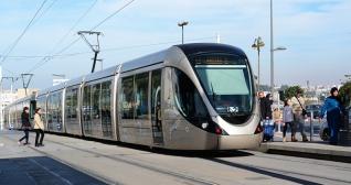 mo-rabat-tram-lukakikina-shutterstock