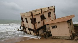 blog-in-benin-can-resilient-investment-solutions-save-a-battered-coast-780x439