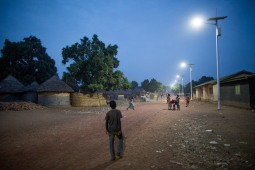 Solar-street-lights-in-Guinea1