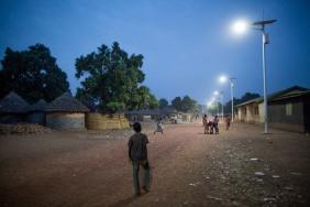 Solar-street-lights-in-Guinea1