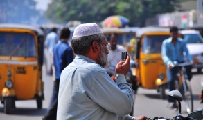 in-hyderabad-traffic-nietnagel-flickr.jpg